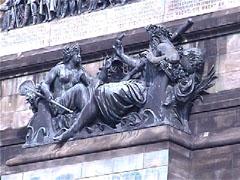 ドイツ統一碑の彫刻