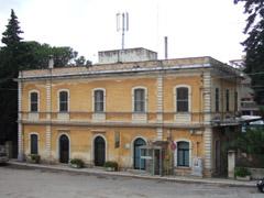 マルティーナ・フランカ鉄道駅