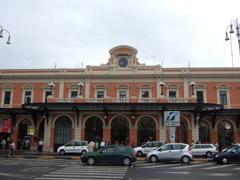 Bari駅