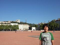 Lyon ベルクール広場