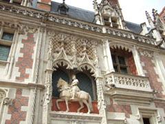 ルイ12世の像