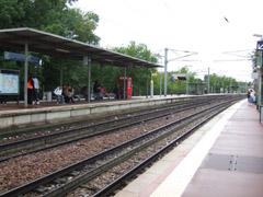 ST.OUEN L'AUMONE駅