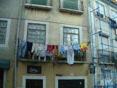ポルトガル名物の洗濯物
