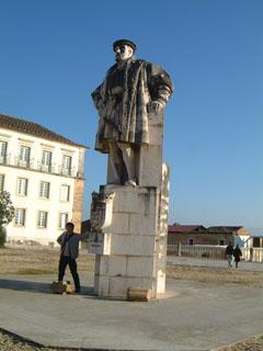 ジョアン3世の像